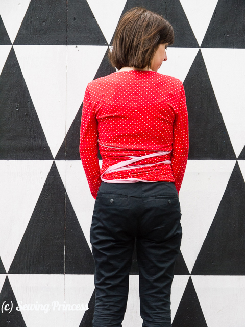 Wrap-sweater-cardi-Burda-012012-116a_back