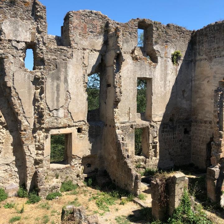 canale monterano ruins